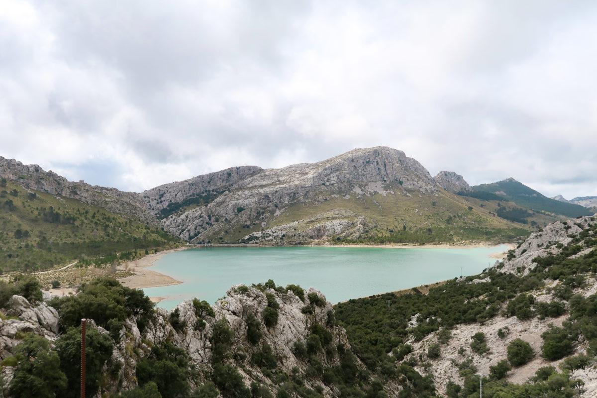 Rutas en coche con Muvon. La serra de Tramontana en Mallorca - Embalse de Cúber