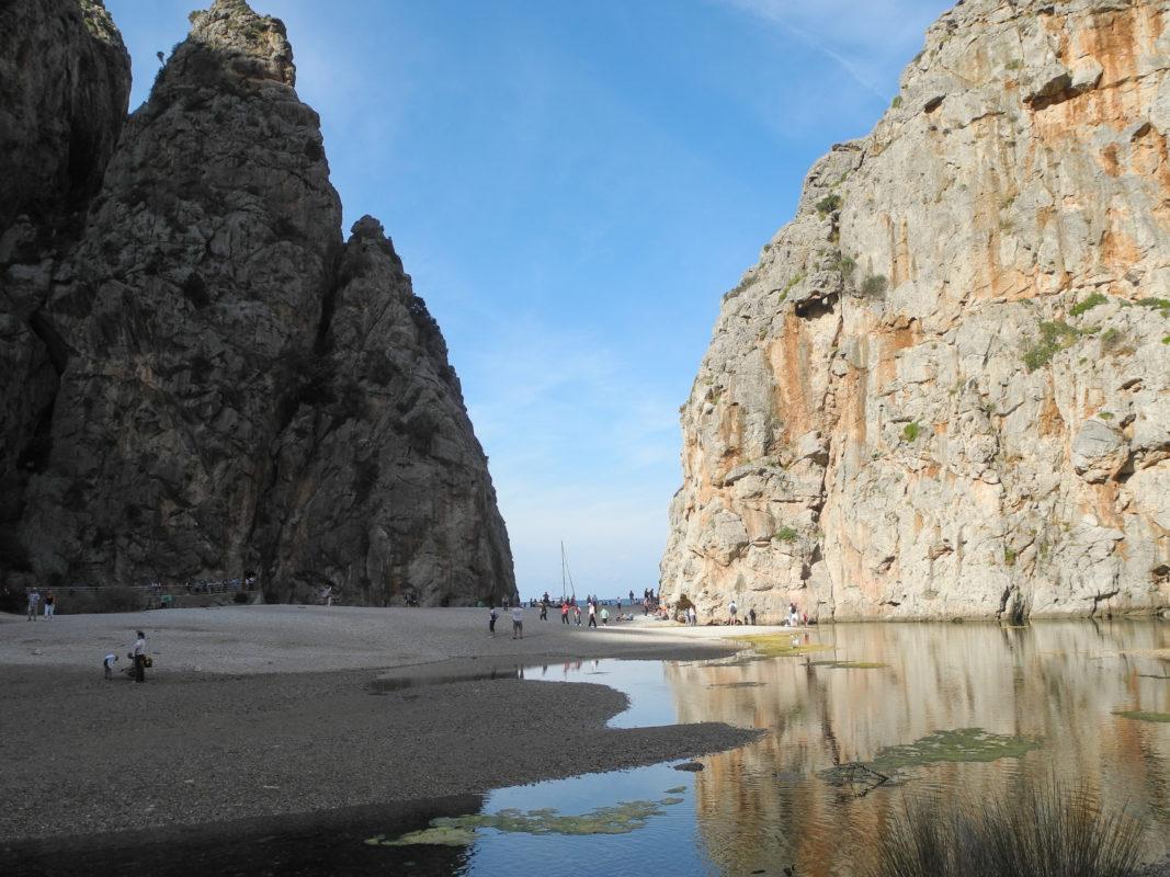 Rutas en coche con Muvon. La serra de Tramontana en Mallorca - Sa Calobra